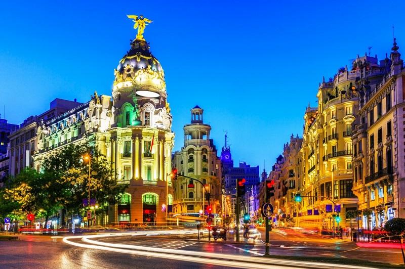 L'Espagne ouvre